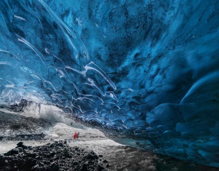 Фототур вИсландию «Ледяные пещеры исеверное сияние»