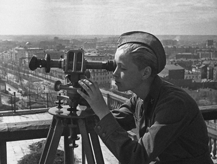 Выставка «Город на высоте: Москва и москвичи в годы войны»