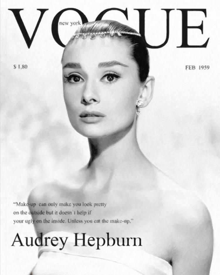 Экспозиция обложек журнала Vogue в ЦУМе