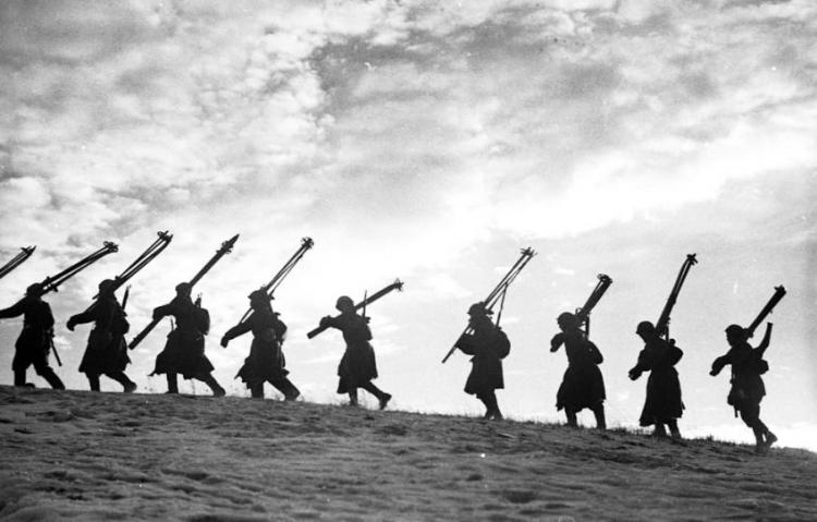 Выставка Всеволода Тарасевича «Ленинградская блокада. Город и фронт»
